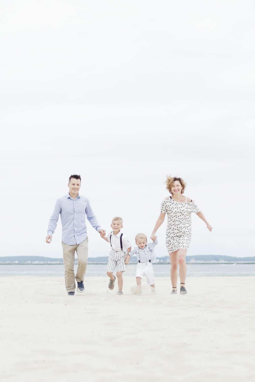 shooting photo de famille à la plage à Arcachon ou au Cap Ferret