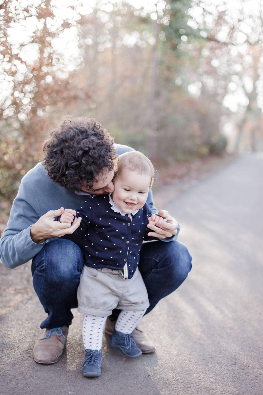 séance photo en hiver de famille, papa-fille ou père-fille, en automne, photographe famille à Bordeaux