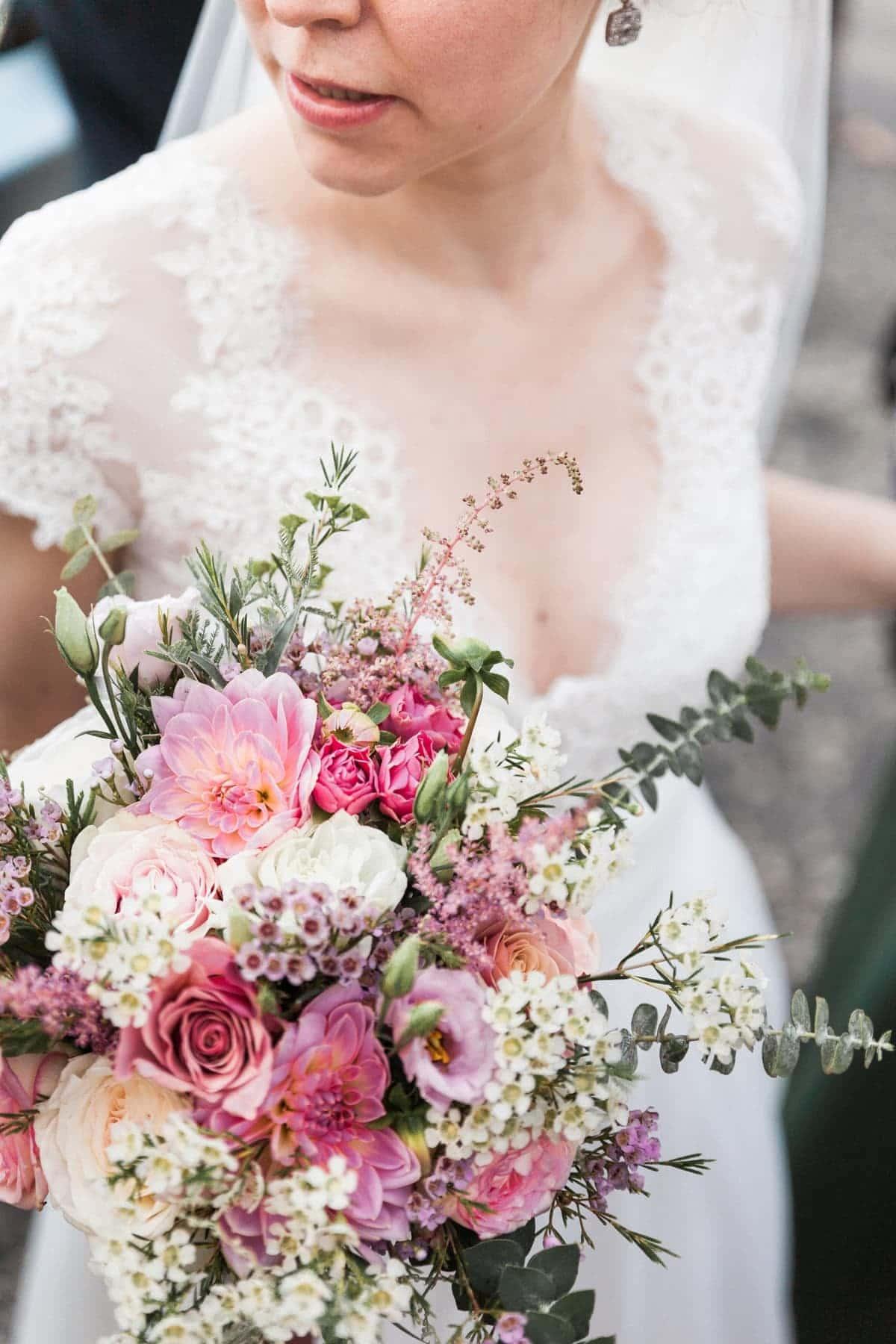 Sublime bouquet de mariée rose blush, signé Avril-Mai
