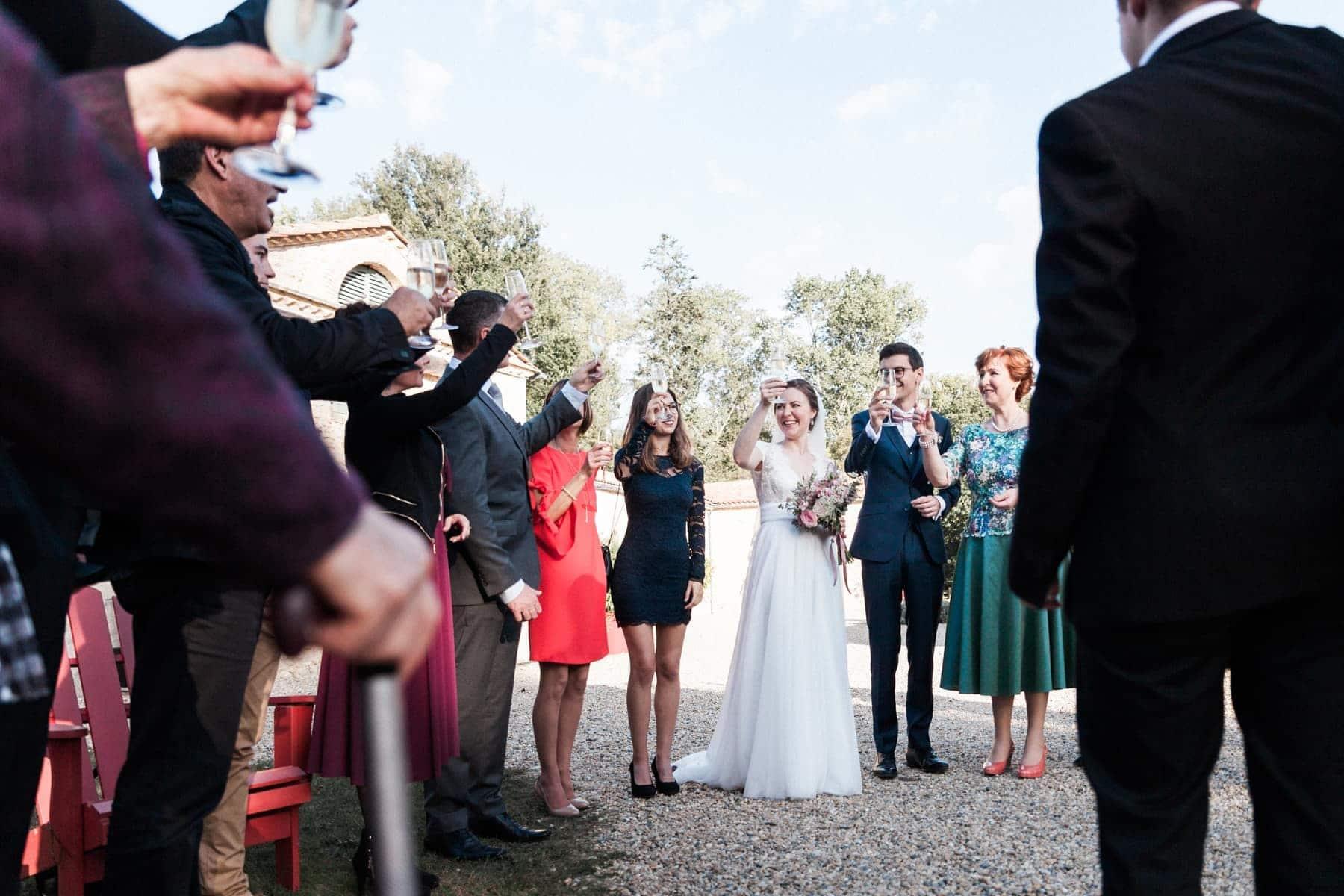 Champagne : photographe de mariage au château de l'isle médoc pour un mariage franco-russe intimiste
