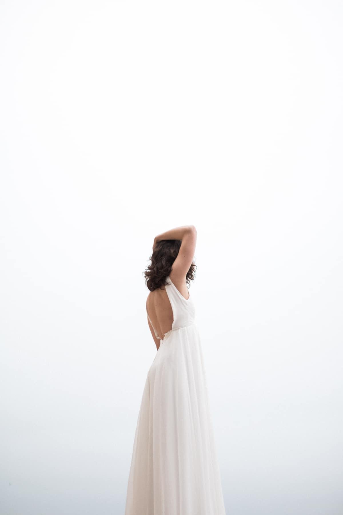 photographe de mariage à Etretat : mariée dans sa robe de mariée