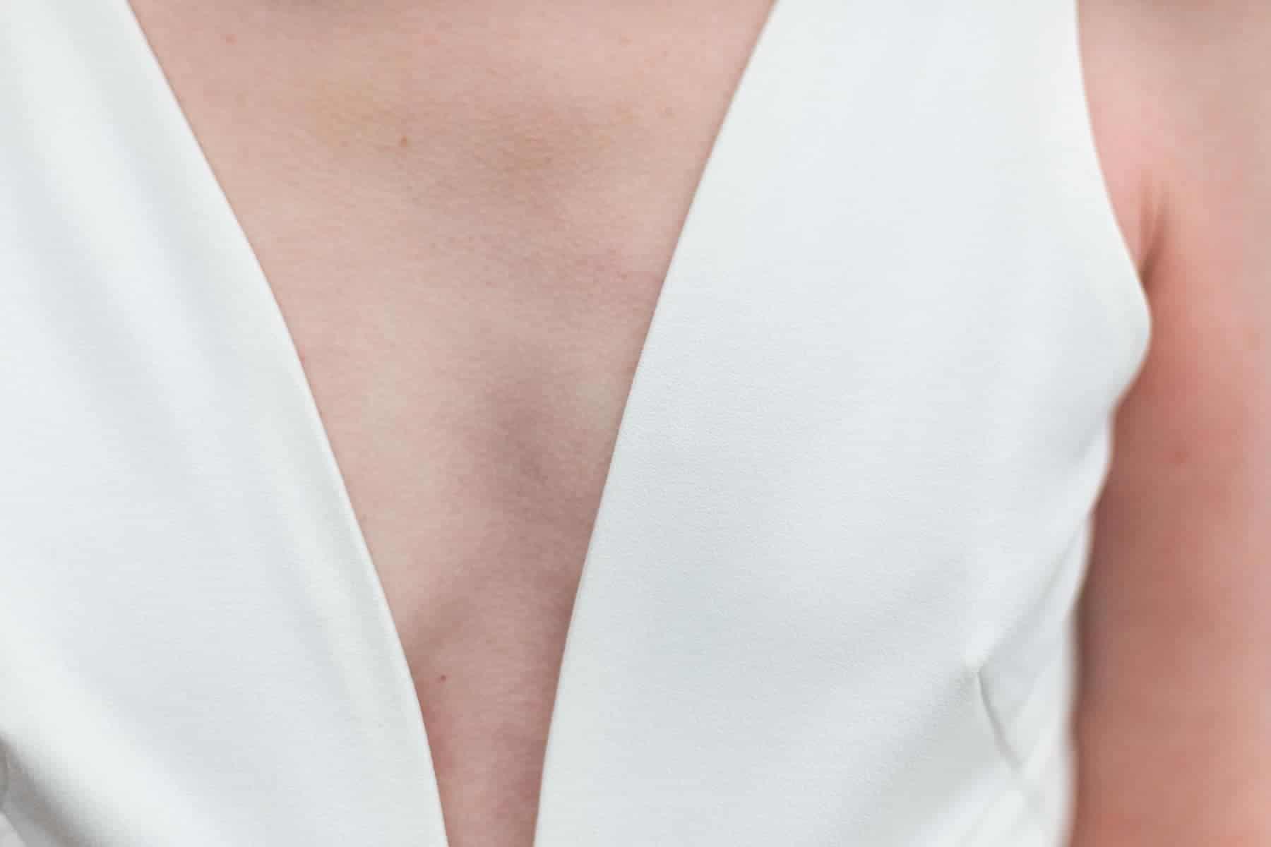 Décolleté de robe de mariée de créatrice