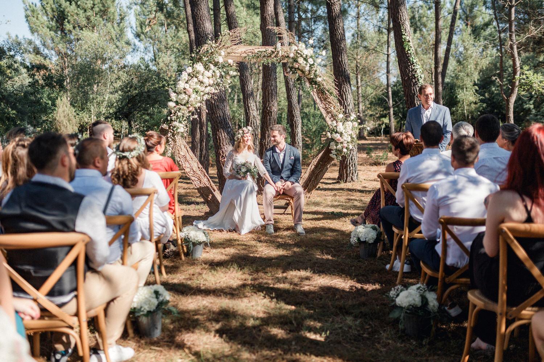 les mariés et leur cérémonie laique