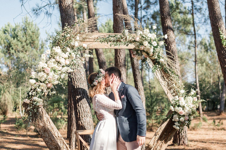 bisou des mariés de fin de cérémonie