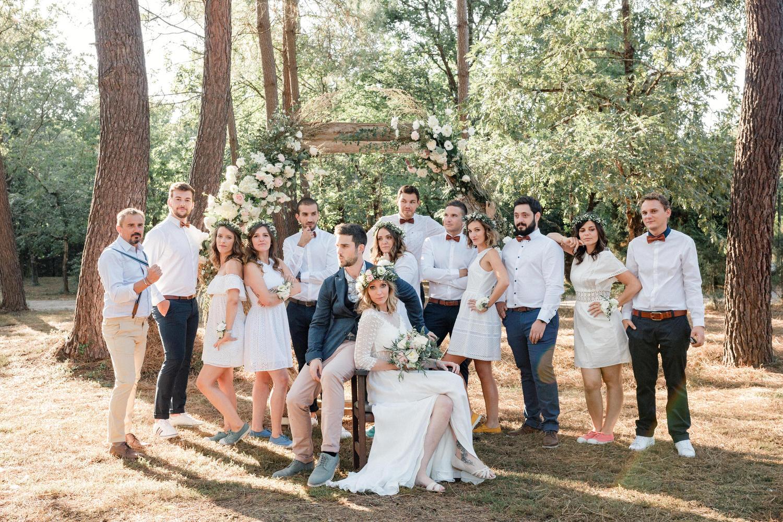 photo de groupe stylée de mariage